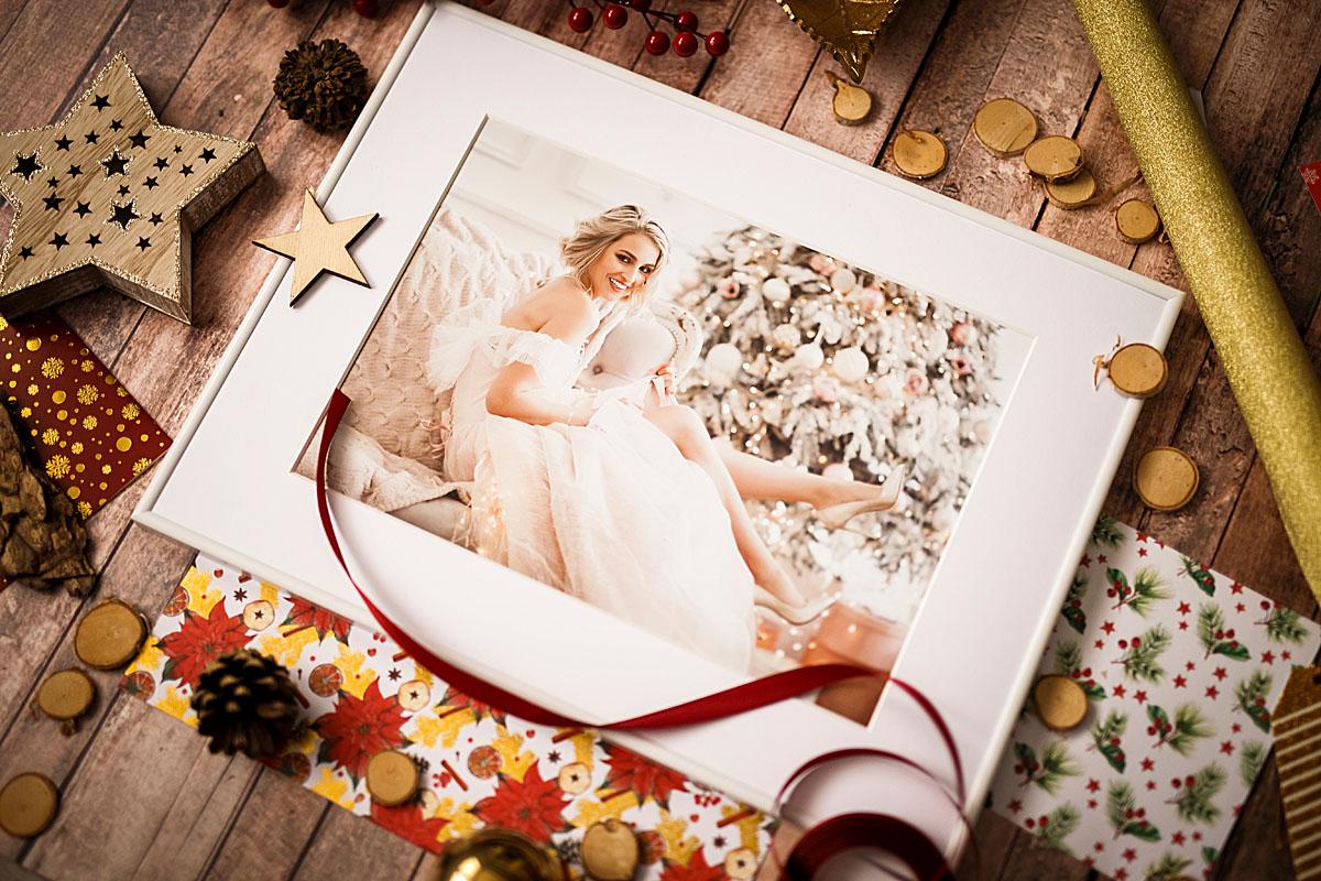 Fotoobraz w białej ramce idealny na prezent dla dziewczyny