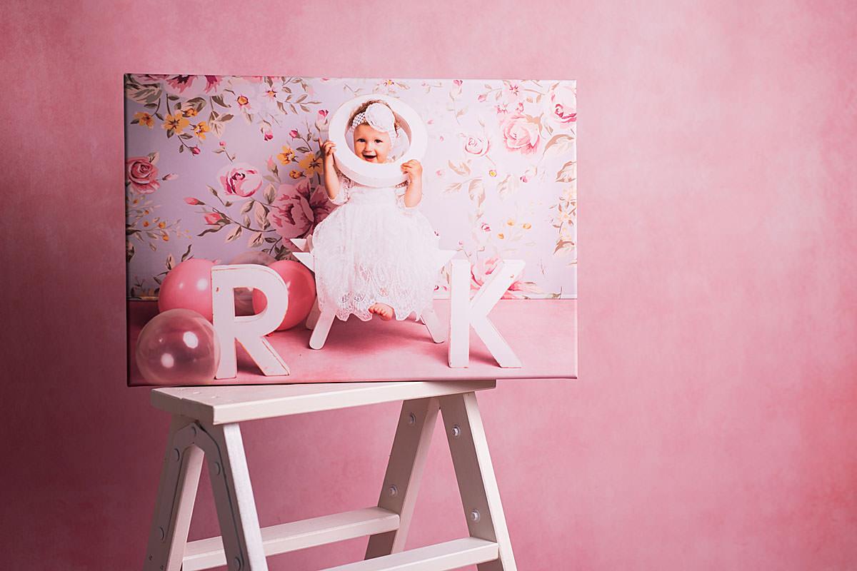 Portret dziecka na sztaludze