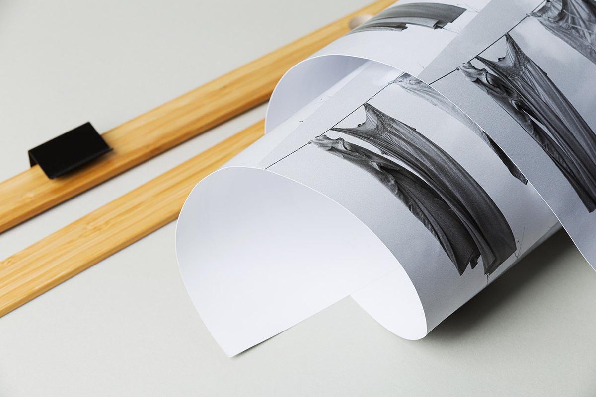 Plakat zwinięty w rulon po wydruku rysunku