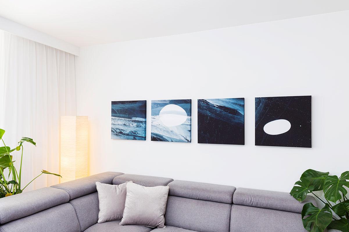 Tryptyk fotoobrazów przedstawiający abstrakcyjną kompozycję malarską